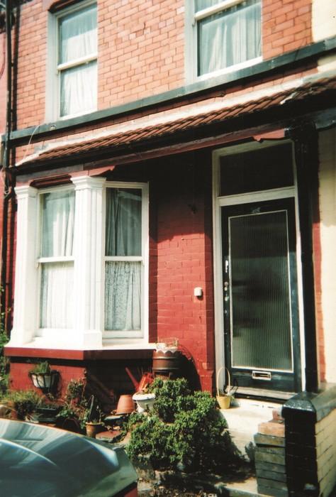 Pierwszy dom Johna w którym mieszkał z matka Julią na Newcastle Rd.9